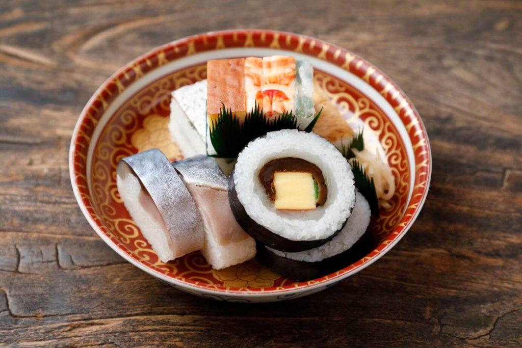 京寿司盛合せ。