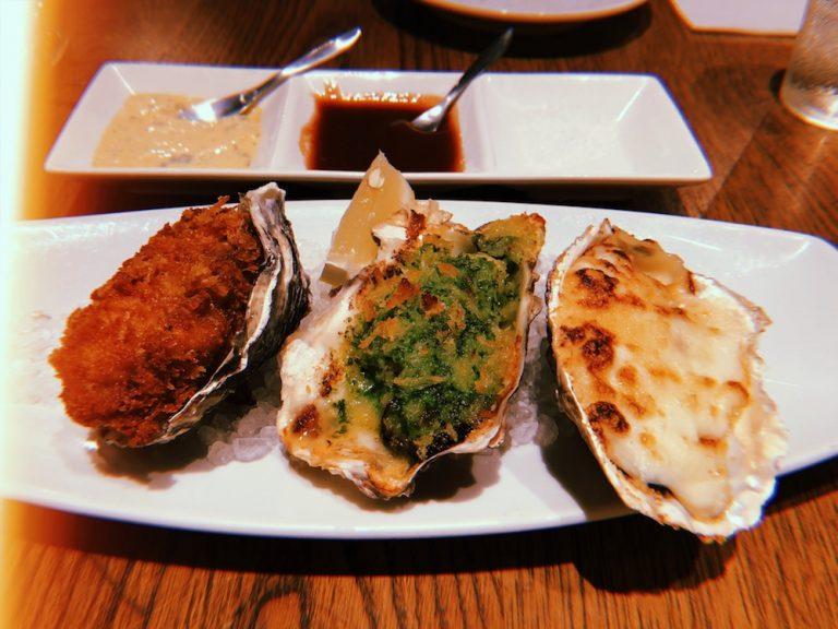 フライ・ガーリック焼き・グラタンの牡蠣3種。どれもクリーミーで濃厚な味わい。