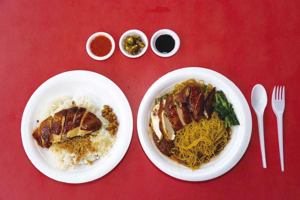 「油鶏麺」S 2.5ドル、「油鶏飯」2ドル