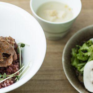 お肉とほかほか白米の組み合わせが無敵!ランチで食べたい東京の絶品「肉丼」おすすめ店。
