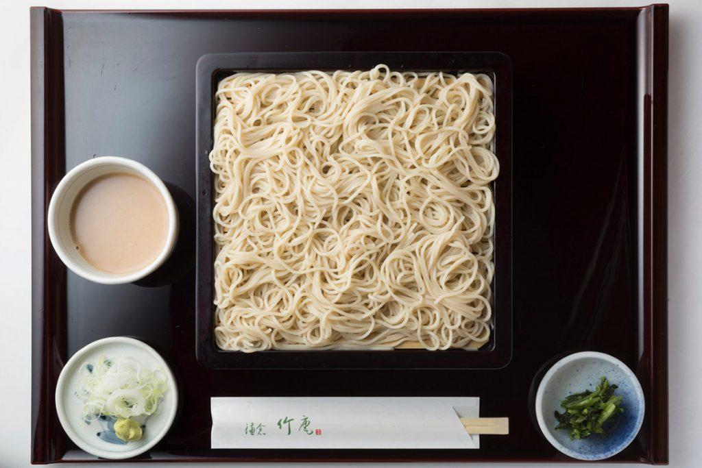 915円(税込)