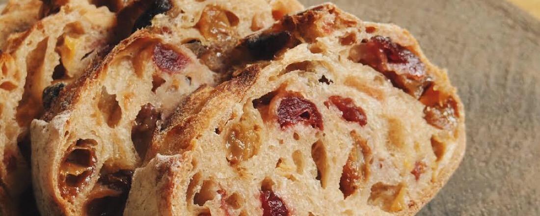 フルーツとパンの鮮やかな関係…〈TOLO PAN TOKYO〉と〈シニフィアンシニフィエ〉