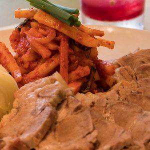 話題のコリアンBBQレストランで、特製キムチ作りと新メニューを体験!