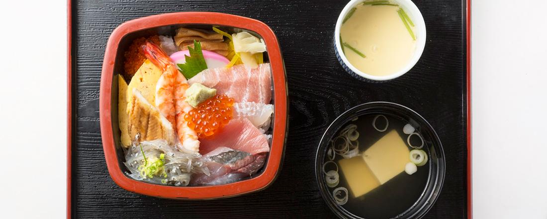 うな重にちらし寿司…地元の食通がおすすめする、鎌倉の老舗の人気海鮮グルメとは?