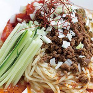 【汁なし担々麺専門店・蕎麦バー】麺好きにおすすめしたい、居心地のいい麺料理のお店とは?