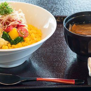 食堂スタイルが浸透中!人気おでかけエリア鎌倉・軽井沢の気になる食堂とは?