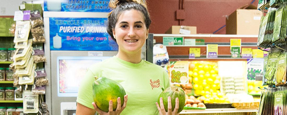 【ハワイ・ホノルル】ロコ気分を味わうなら、生協のスーパーマーケット〈Kokua Market〉へ。