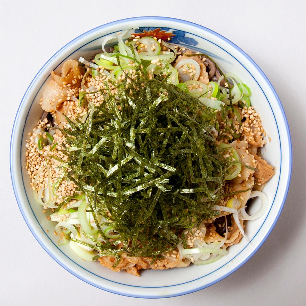 つけ麺スタイルの「冷たい肉そば」870円(税込)
