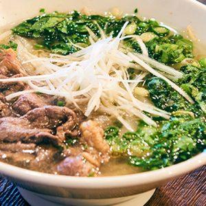 野菜どっさりでヘルシー。本格フォーが食べられる東京のエスニック専門店4軒