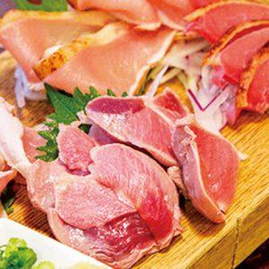 レアなお肉がたまらない。【東京】鮮度命の「刺し盛り」名店とは?