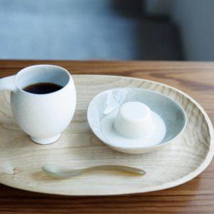 カルダモンプリン350円、コーヒー600円。