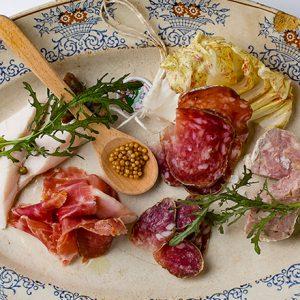 フランスの郷土料理が楽しめるおすすめビストロはここ!