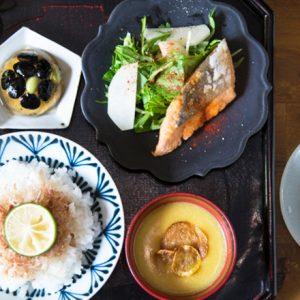 【京都】旬野菜たっぷり!彩り豊かなおばんざい定食が楽しめる、おすすめ町家カフェ・和食店とは?