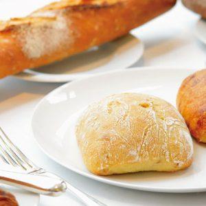 焼きたてパンがイートインできる!小腹が空いた時にもぴったりな都内おしゃれベーカリー2軒