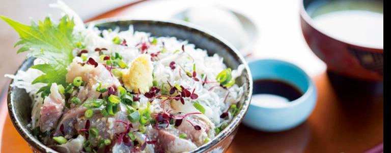 たっぷりシラス丼など海の幸を堪能!【江の島】美味しい魚定食が食べられるお店3軒