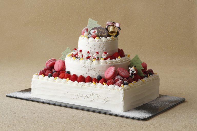 「クリスマスショートケーキ」38,000円(限定5個) 24cm×32cm、21cm、12cm 3段