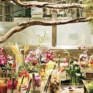 フォトジェニックな店内と料理。お花に囲まれた空間で食事が楽しめる都内カフェ・レストランへ。