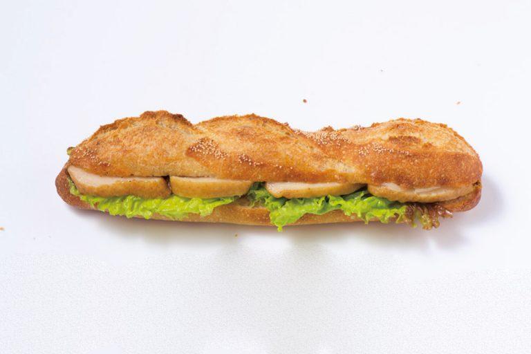 鴨肉がボリューミーな「カスクルート合鴨」490円(各税込)