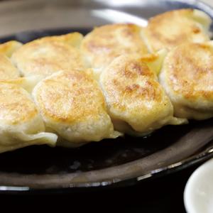 昼と夜で全く異なる顔を持つ【沖縄】美味しいがいっぱいの栄町市場へGO!〜餃子編〜