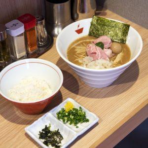人気沸騰中「煮干しパスタ」に「蟹ラーメン」!日本橋エリアの進化系麺グルメが気になる!