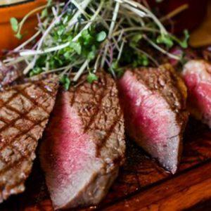 年末年始のパーティーシーンに!美味しい肉料理が楽しめる、都内おすすめダイニング3軒