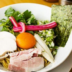 麺にタレをたっぷり絡めて。東京都内の絡めて食べる美味しい「まぜ麺」グルメ4軒