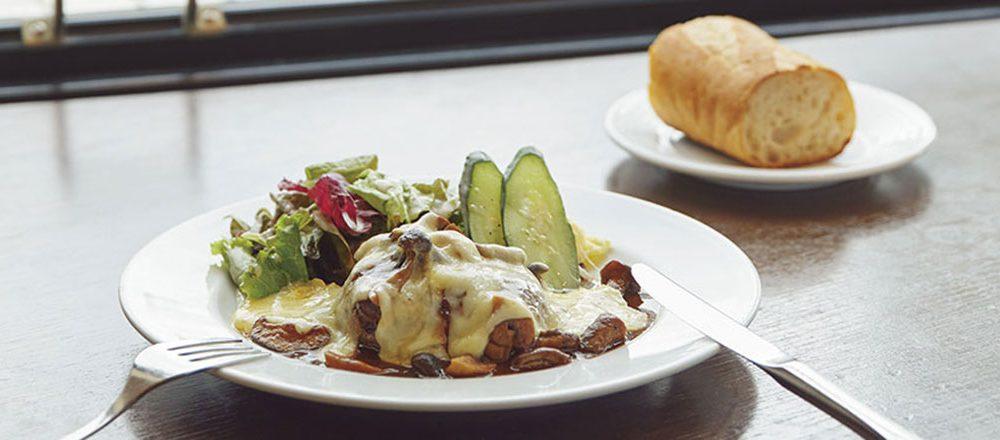 洋食ビストロ ドンピエールハート[5F]の キノコソースのハンバーグ ラクレット チーズ添え