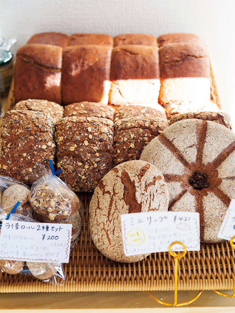 ライ麦100%パンも豊富。