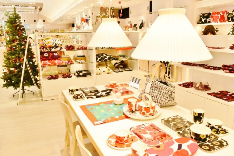 人気の〈マリメッコ〉など、北欧ブランドの雑貨もたくさん揃っています。