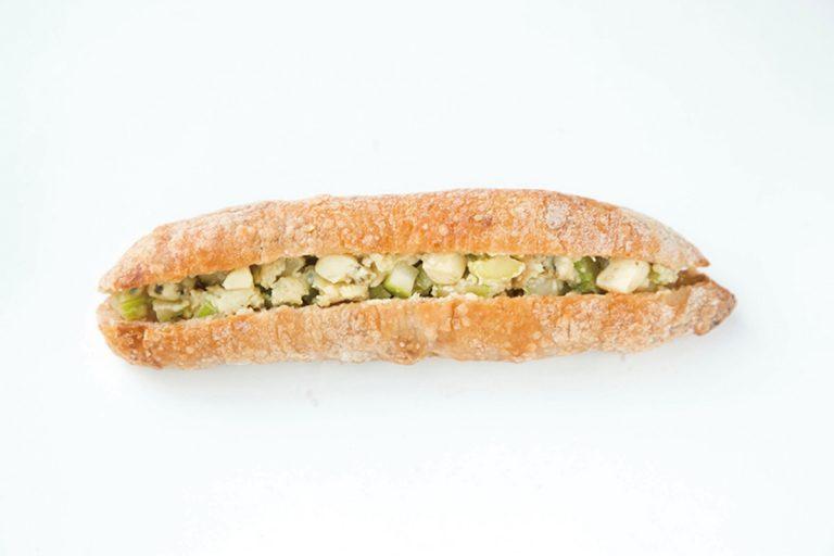 「セロリとフルム・ ダンベールのサンドイッチ」(360円)