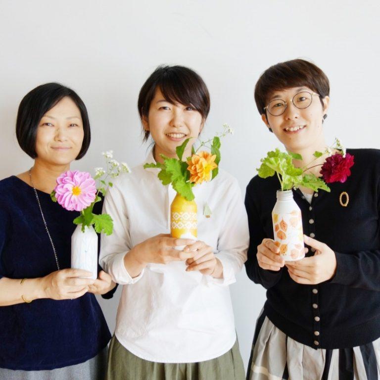「moogy」の可愛いデザインを担当しているデザイナーの3人。