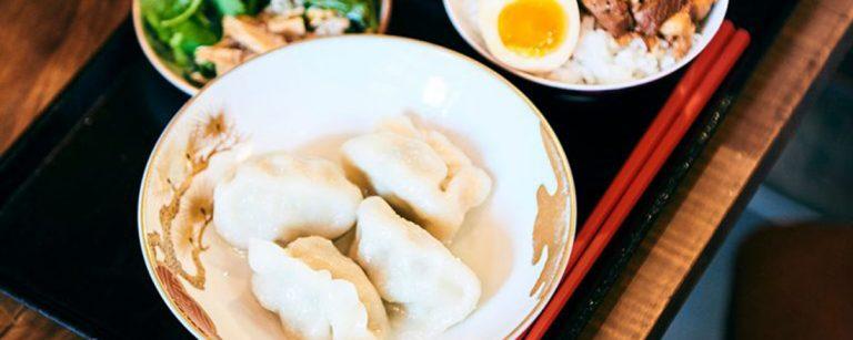 台湾グルメファン必見!【東京】つるんと美味い絶品餃子と本場麺線を発見。