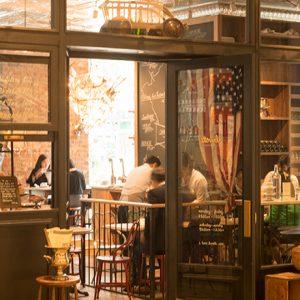 おしゃれなNY発レストラン、日比谷〈Buvette〉。その魅力とヒットした理由とは?