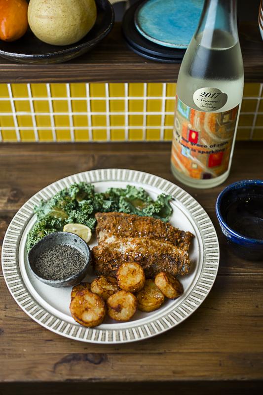「Fish&Potato」1,400円。ゴマソースが美味。