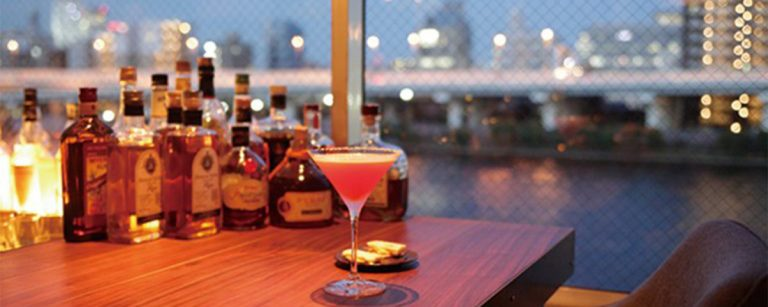 平成最後のクリスマスはロマンチックに。夜景が見られるレストラン・バーとは?