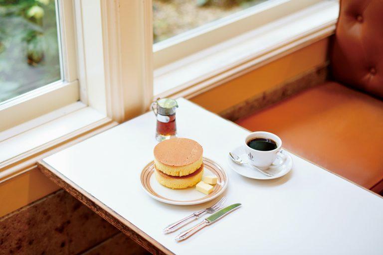 〈イワタコーヒー店〉の「ホットケーキ」