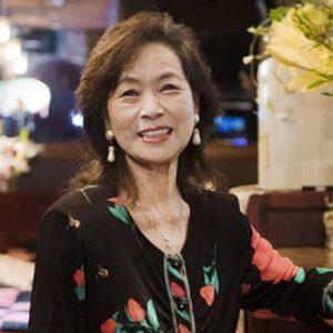 大切な人との別れを越えて。強く美しい〈スナック リリー〉澄子ママが笑顔でいられる秘密って?