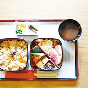合鴨と炊き込みご飯の花鈴弁当1,000円
