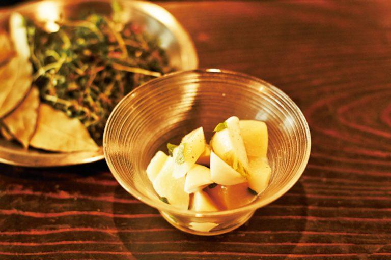 「桃と蕪のマリネミント風味」615円