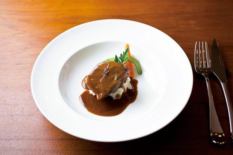 レネのスペシャリテ「牛のほほ肉シードルじっくり煮込み」