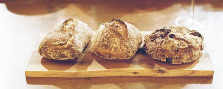 新しいパン屋さんの形。地域で愛されつづけている練馬区〈パーラー江古田〉へ。