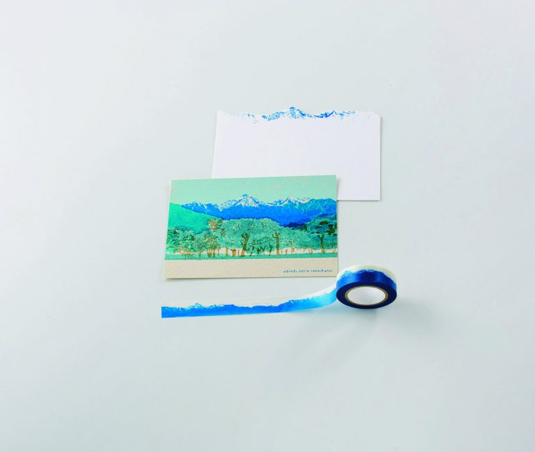 〈旅スル紙〉のポストカードとマスキングテープ