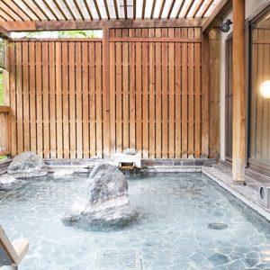 名湯にグルメ、自然…秩父の人気温泉宿〈和銅鉱泉 ゆの宿 和どう〉でリラックス!