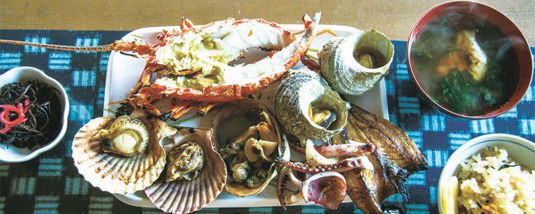 【三重、鳥羽・志摩】ライブ感も楽しみのひとつ!海の幸が楽しめる人気グルメスポットへ。