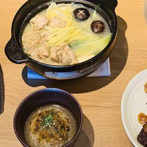 リノベカフェ〈REISM STAND〉の、冬限定メニュー「カラダぽかぽか 鶏だし生姜鍋」で温活!
