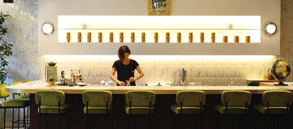 カウンターでお茶!?バーのように楽しめるお茶専門店が急増中。