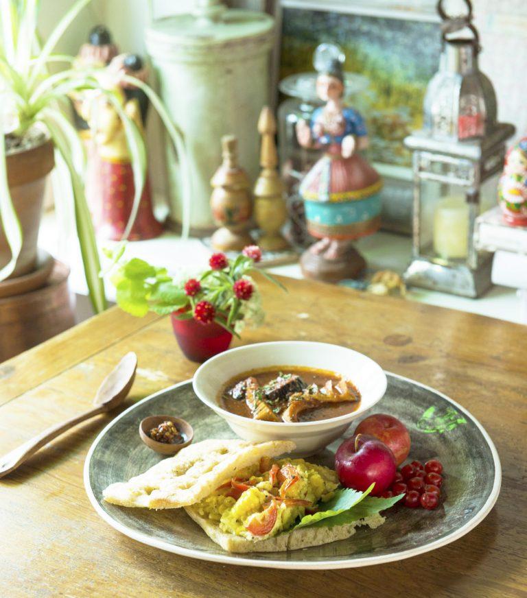 有元くるみ 「合鴨の卵のコーンオムレツフォカッチャサンド」「茄子と筍のトマトスープ」