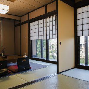 部屋はすべて離れの和室で、8畳2間タイプが2室、6畳2間タイプが6室。