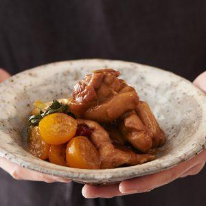 【きんかんはちみつ漬け】のアレンジレシピ「きんかんと鶏ももの煮物」