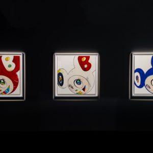 村上隆の作品を展示しているGALLERYIには、DOB君のシリーズが並ぶ。